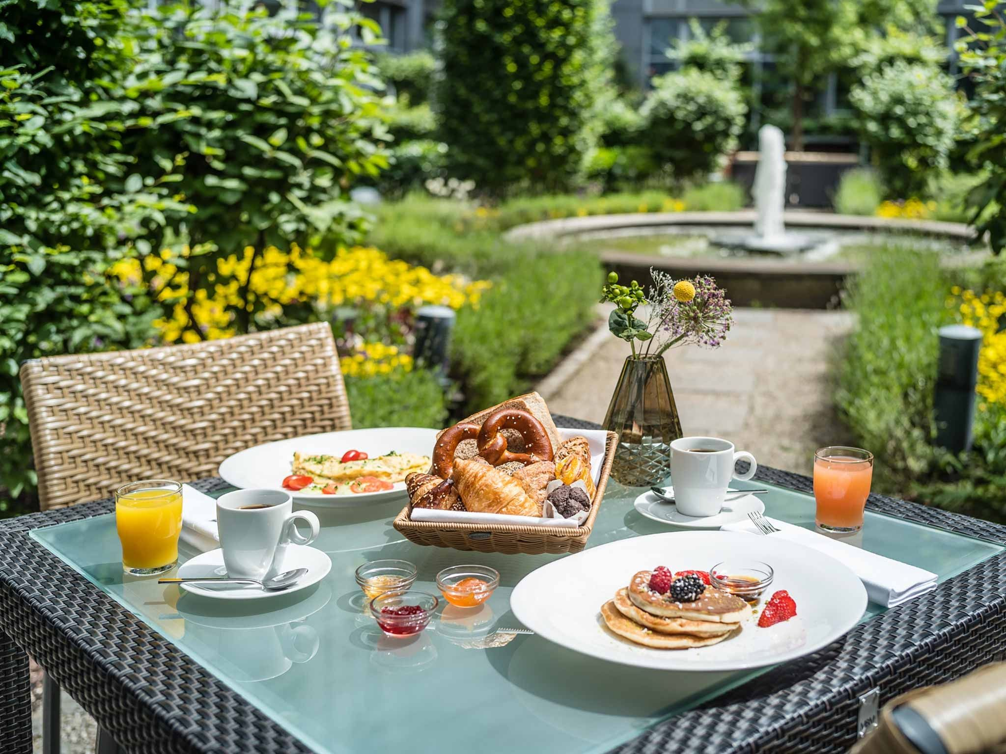 Breakfast in the Garden at Le Méridien Hotel Munich